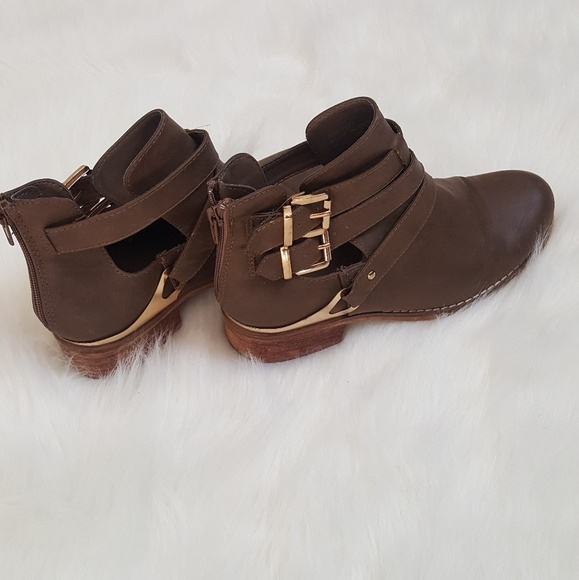 Shoes - Size 6.5 booties